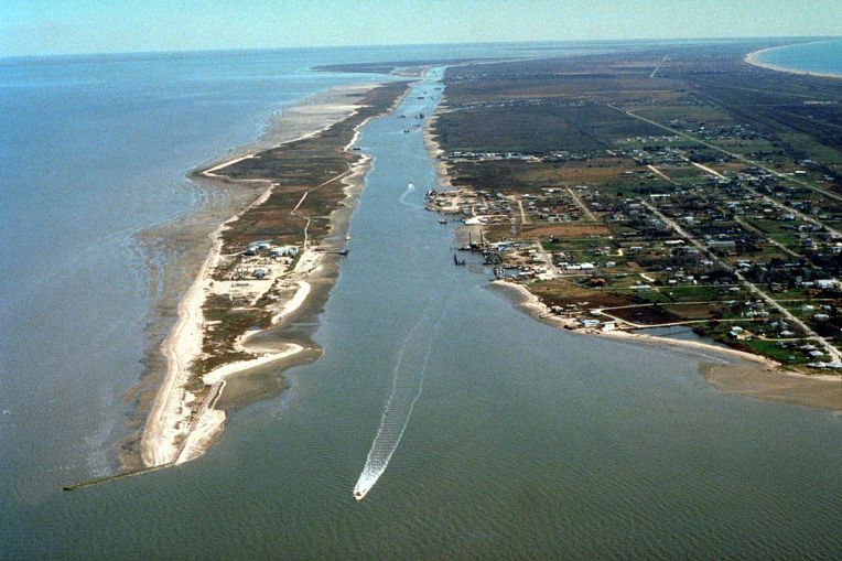 Gulf_Intracoastal_Waterway_Galveston_Bay.jpg